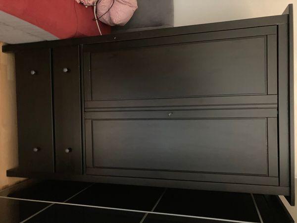 Ikea Hemnes Kleiderschrank in schwarzbraun