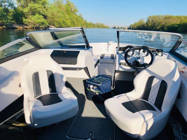 Motorboot Glastron GTX 185