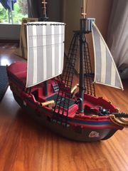 Playmobil Set - Piratenschiff Ritterburg und