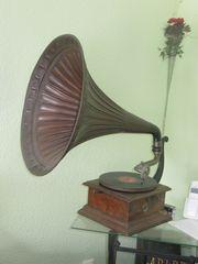 Grammophon Bestzustand mit Nadeln