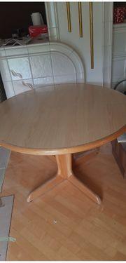 Runder ausziehbare Tisch