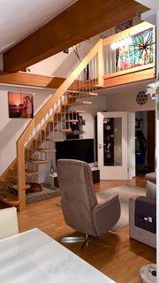 Helle 3 Zimmer DG-Galerie-Wohnung in