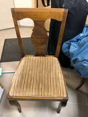 6 Stühle aus Holz