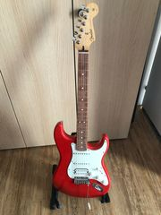 Fender Gitarre Player Series Strat