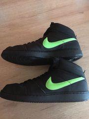 Nike Sportschuhe Größe 42