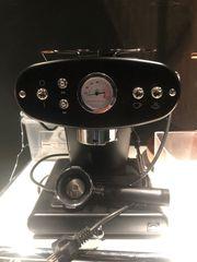 Kaffemaschine für gemahlenen Kaffee X1