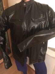 Neue Lederjacke in schwarz