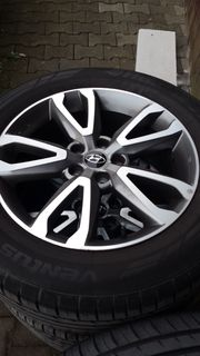 Hyundai Santa Fe 2x Sommerreifen