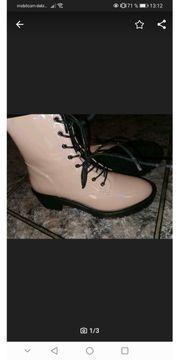 Boots in pinkes Lack Nagelneu