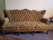 Stilvolle Couch und Sessel