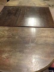 Ovaler Holztisch massiv
