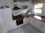Moderne L - Einbauküche in weiß