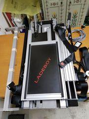 Rollstuhlverladesystem Ladeboy Maximum bis 50