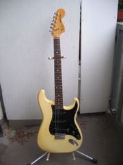 FENDER STRAT USA 1978 cream-blonde