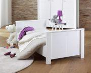 Baby- Kinderbett mit Matratze und