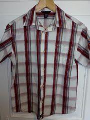 2 kurzärmlige karierte Hemden von