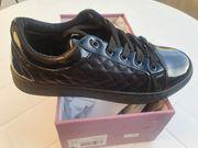 schwarze neue Damen Sneaker
