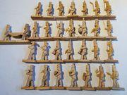 Bergmannszug 30 Figuren geschnitzt 1972