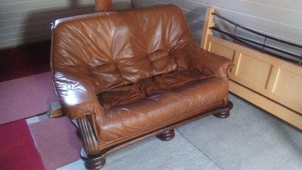 schönes 2-Sitzer Sofa zu verkaufen