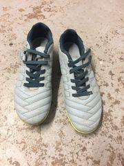 Kinder Fußball Schuhe Marke KIPSTA