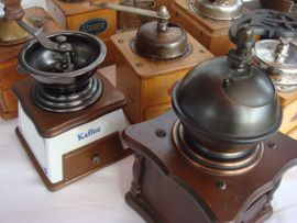 Bild 4 - alte Kaffeemühlen 16EUR - Hauenstein