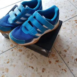 Schuhe, Stiefel - Addidas Kinderschuhe Größe 33