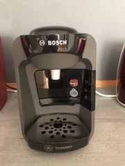 Kaffeemaschine mit Tapsständer