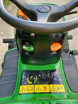 Aufsitzrasenmäher John Deere LTR 180: Kleinanzeigen aus Lustenau - Rubrik Traktoren, Landwirtschaftliche Fahrzeuge