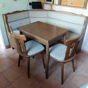Biete Sitzecke mit ausziehbaren Tisch