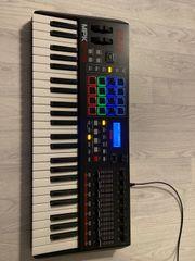 AKAI MPK249 MIDI-Keyboard