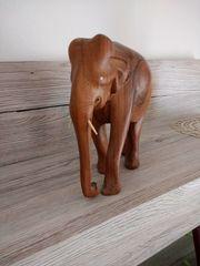 Afrikanischer Holz Elefant