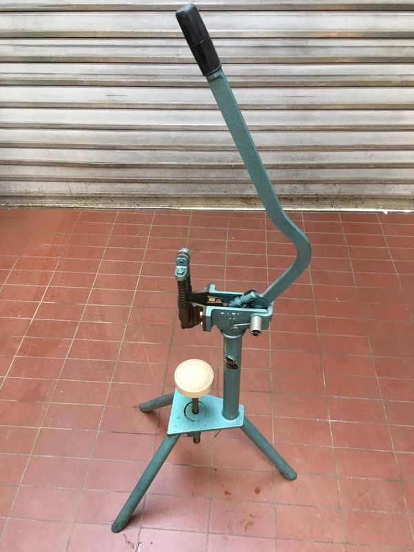 Flaschenverkorkmaschine für Weinflaschen