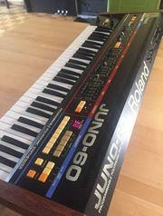 Roland Juno-60 Keyboard Synthesizer Gebraucht