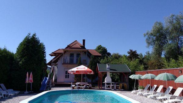 Ferienhaus mit Pool WLAN in