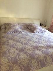 Bett mit matrazr und lattenrost