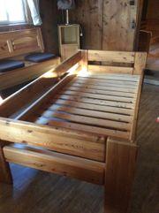 Bett massiv Kiefer zu verschenken
