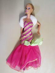 Barbie im Hochzeitskleid