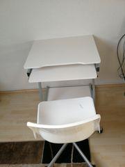 Computertisch mit Drehstuhl