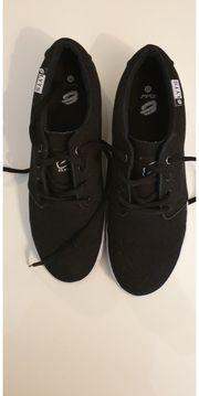 Elyts Schuhe Größe 45