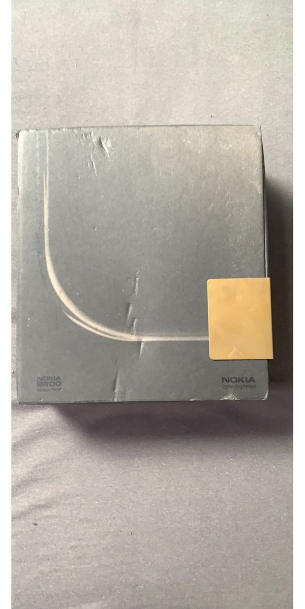 Nokia 8800 Sirocco in Gold