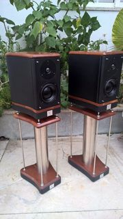Boxen Eventus Audio Metis Stand