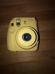 Instax mini 8 in gelb -