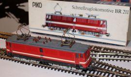 Modelleisenbahnen - PIKO BR 211 035-1 Elektrolokomotive
