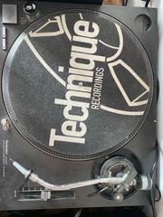 Technics Plattenspieler