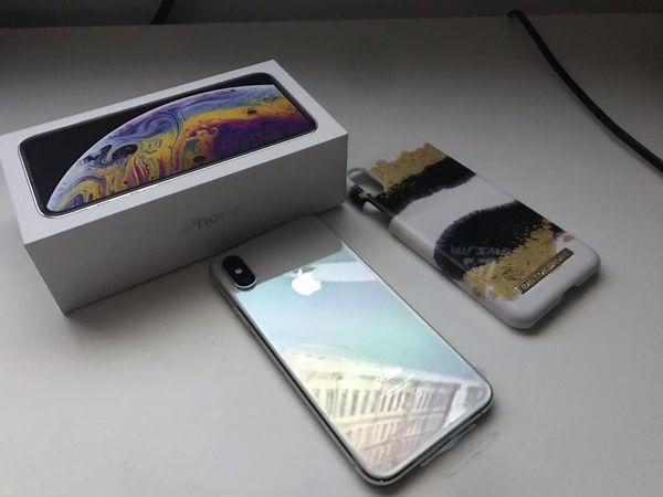 Biete neues IPhone XS Silber