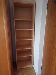 Bücherregal an Selbstabholer zu verschenken