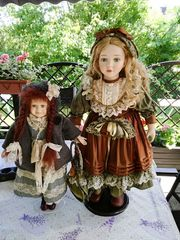Zwei schöne Deko-Puppen
