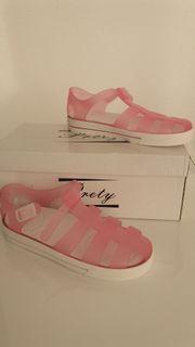 Schuhe in Rosa für die
