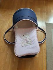 Babytragetasche mit Bärchenmotiv