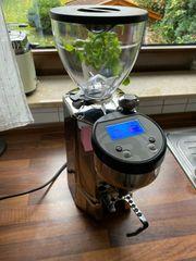 Rocket Fausto Espressomühle Digital Chrom